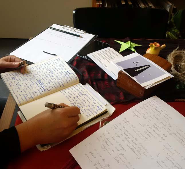 Schreibhand und Stilleben_w[8773]